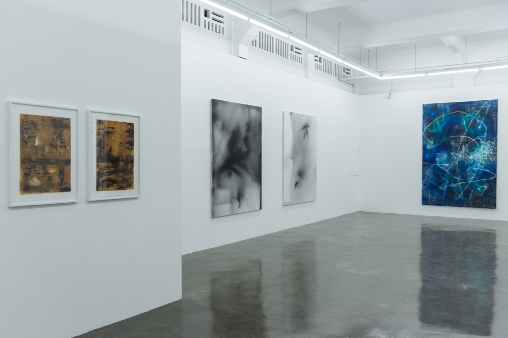 'I Know You Got Soul'(installation view, middle-ground Jeff Zilm), 2015. Courtesy Arndt Singapore.
