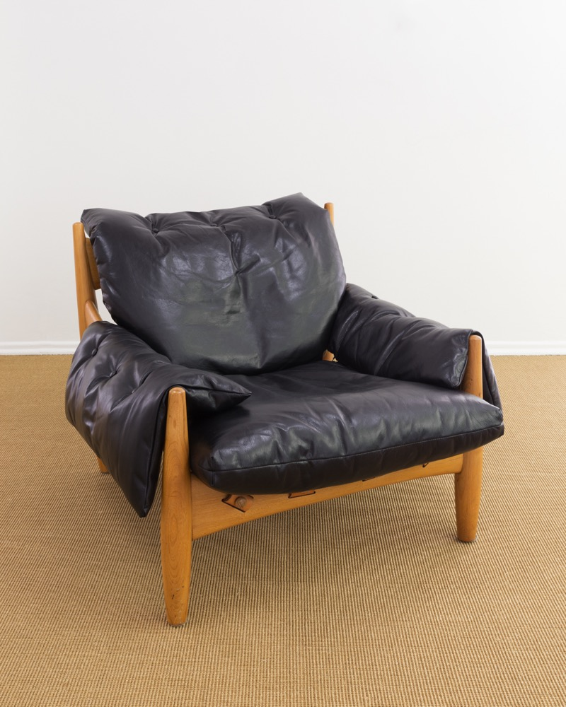 Sergio Rodrigues, 'Sheriff's chair', 1957, leather and wood
