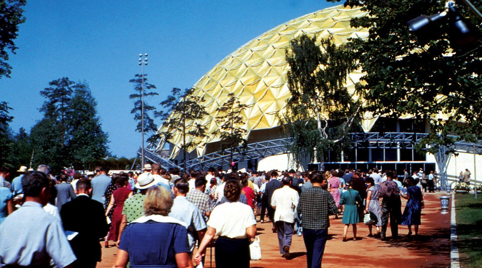 Visitors stream into the American National Exhibition in Moscow in 1959