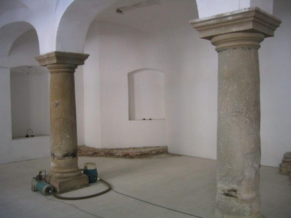 Almost Censored, exhibition view, the Brukenthal Museum, 2005. Courtesy the artist