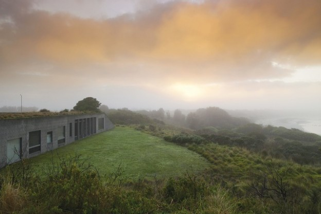 Denton Corker Marshall, 'Phillip Island House'. Photo: Richard Powers