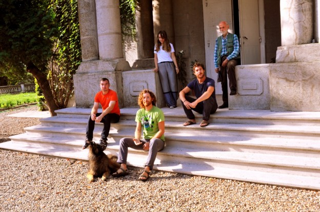 The group of artists in Cetate / upper row, from left to right, standing: Ecaterina Dinulescu (the coordinator of the project), and Napoleon Tiron; seating on the stairs, from left to right: Cristian Răduţă, Ştefan Radu Creţu and Jacques, Simon Iurino